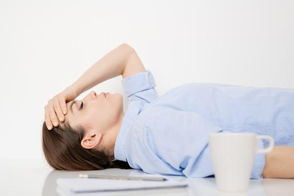 Stres jest obecny w życiu każdego z nas. Jak sobie z nim radzić? Poznaj 3 proste techniki!