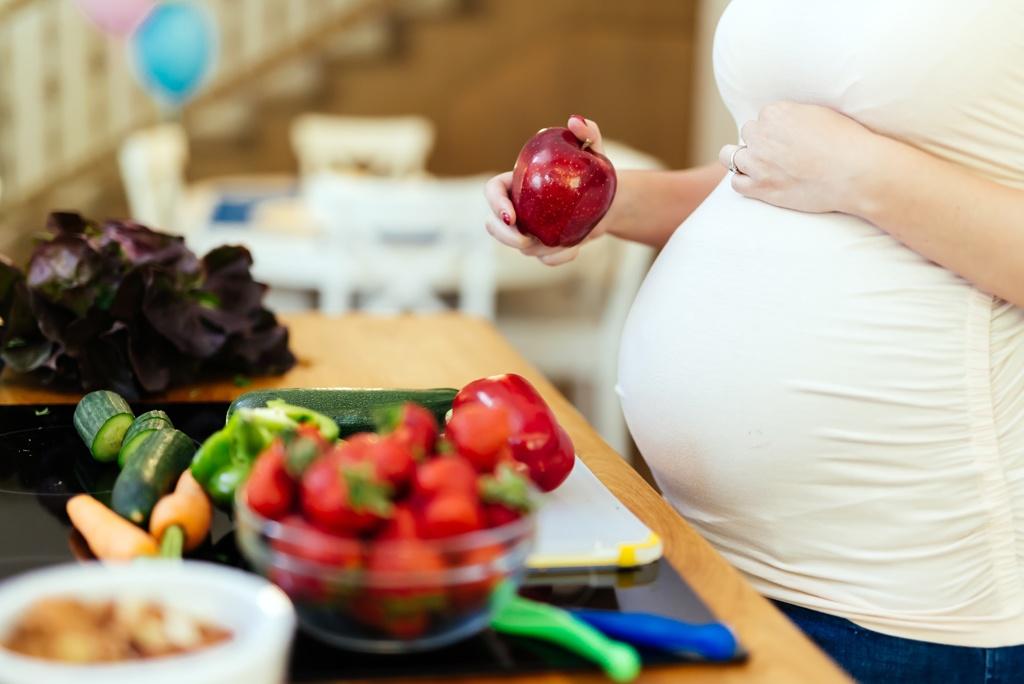 Dieta płodności dla kobiet i mężczyzn. Co jeść, czego unikać?
