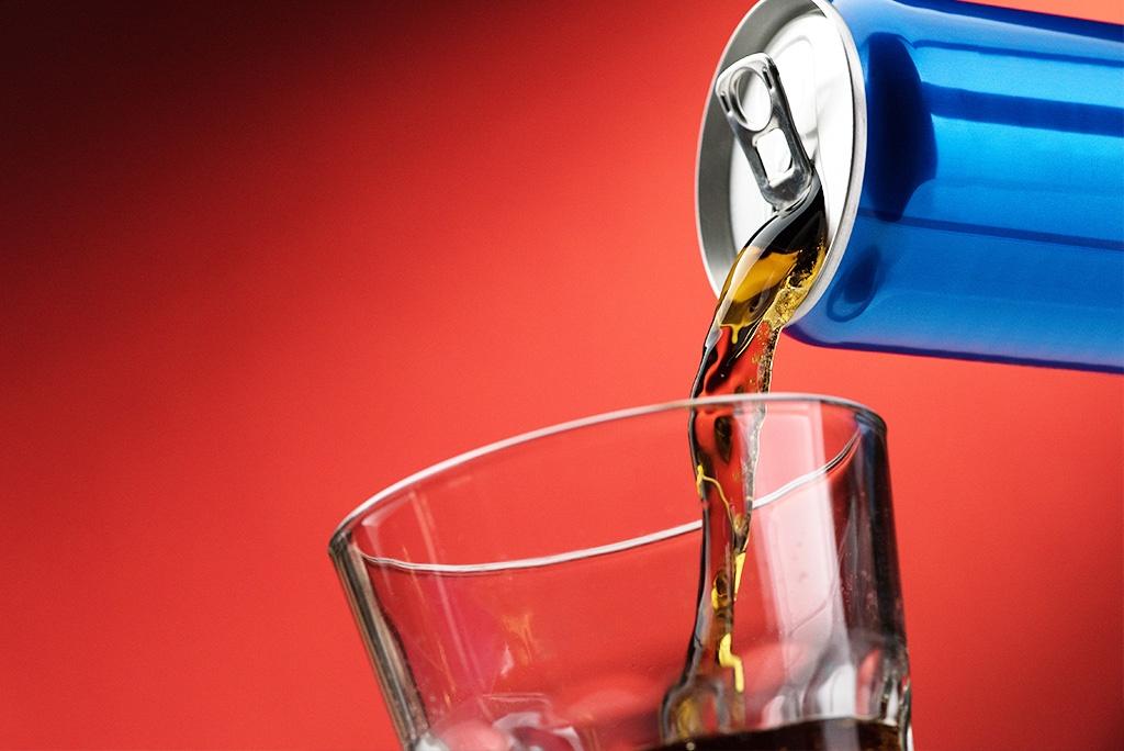 Jaki wpływ na zdrowie mają składniki napojów energetyzujących?
