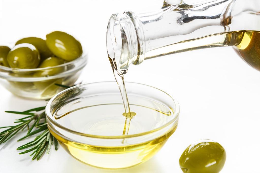 Jak wybrać dobrą oliwę z oliwek? Poznaj kilka zasad